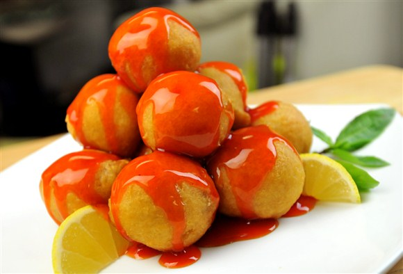 How to Make Sweet and Sour Chicken Balls