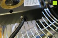 Kabel am Kopf: Andrew James großer 45cm Bodenventilator aus Metall – 100 Watt, kraftvoller Luftfluss, 3 Geschwindigkeitseinstellungen und verstellbarer Neigung – 2 Jahre Garantie
