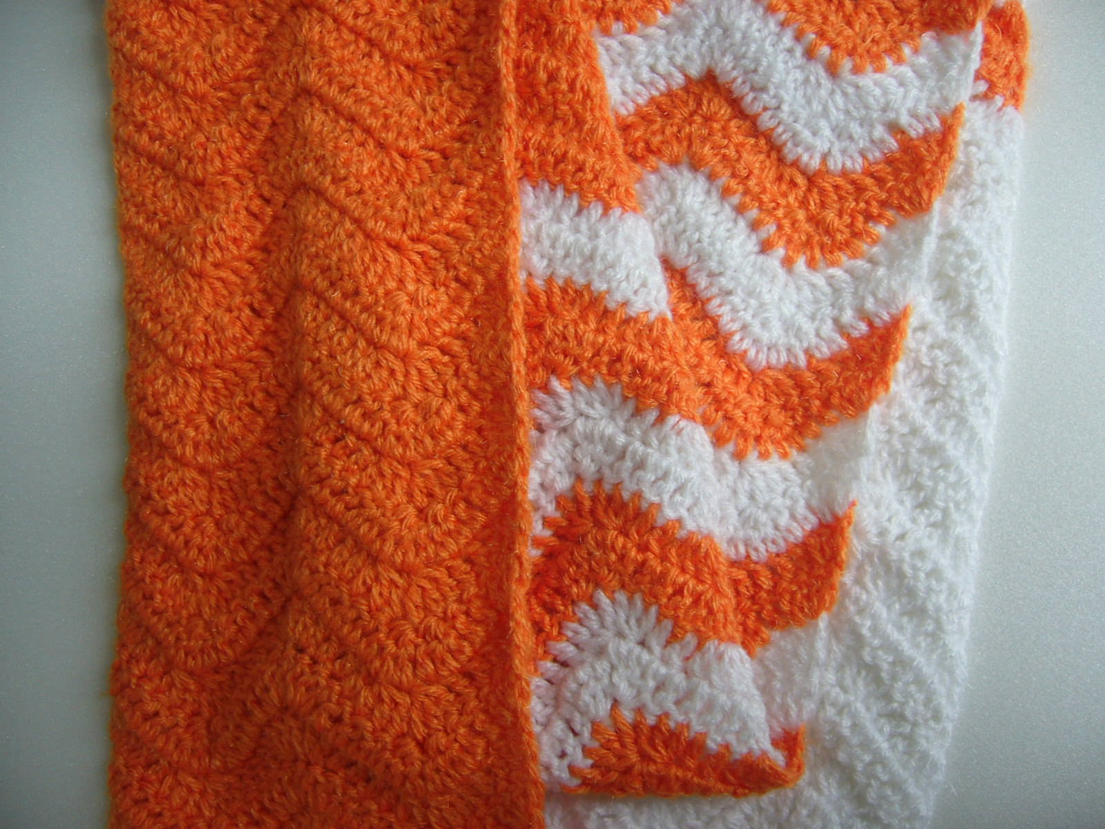 Crochetkari: Crochet Chevron Infinity Scarf