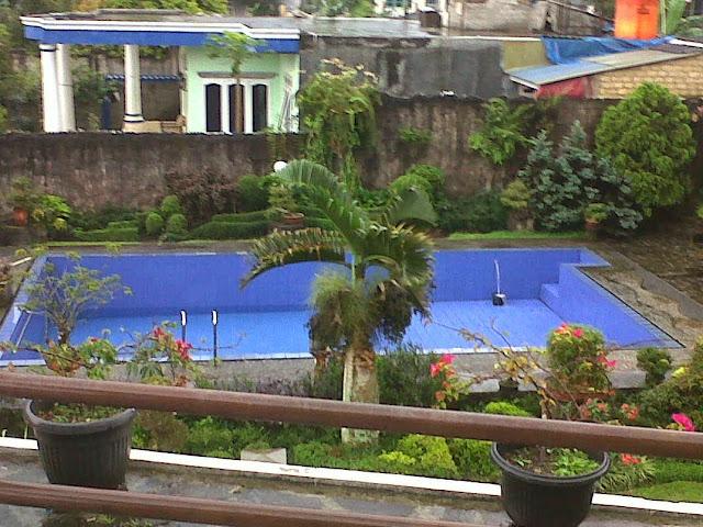 Disewakan Villa 0105 ada kolam renang dan lapangan basket