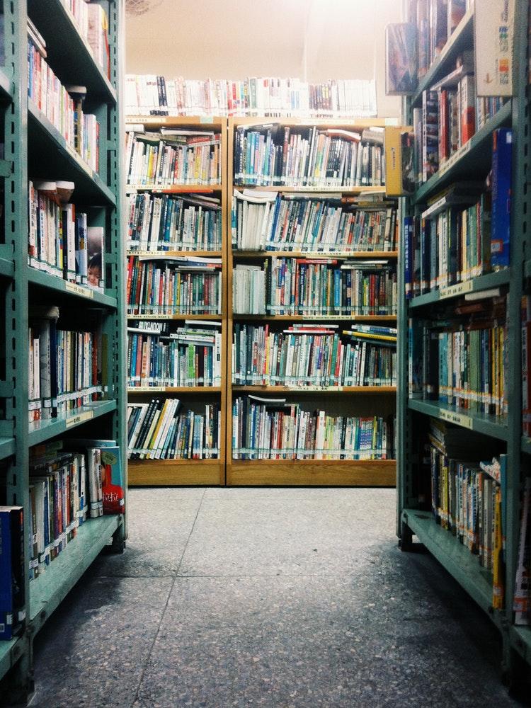 Bücher im Gang | Arthurs Tochter kocht von Astrid Paul. Der Blog für Food, Wine, Travel & Love
