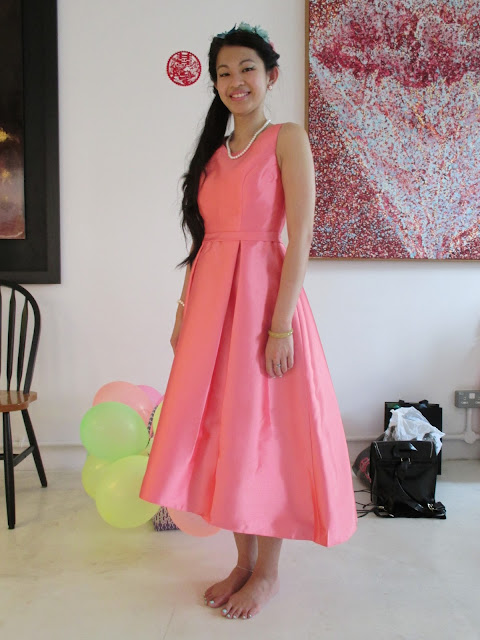 Walking in May: LookS: Vintage inspired 1950s bridesmaid...in pink style!