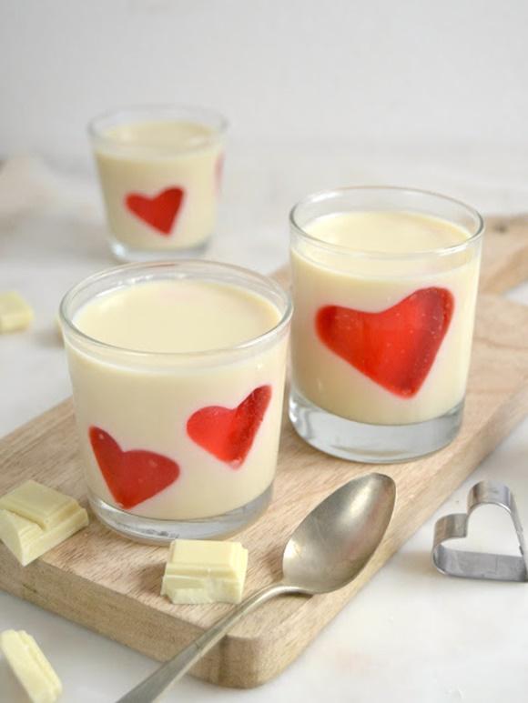 Panna Cotta De Chocolate Blanco Con Corazones