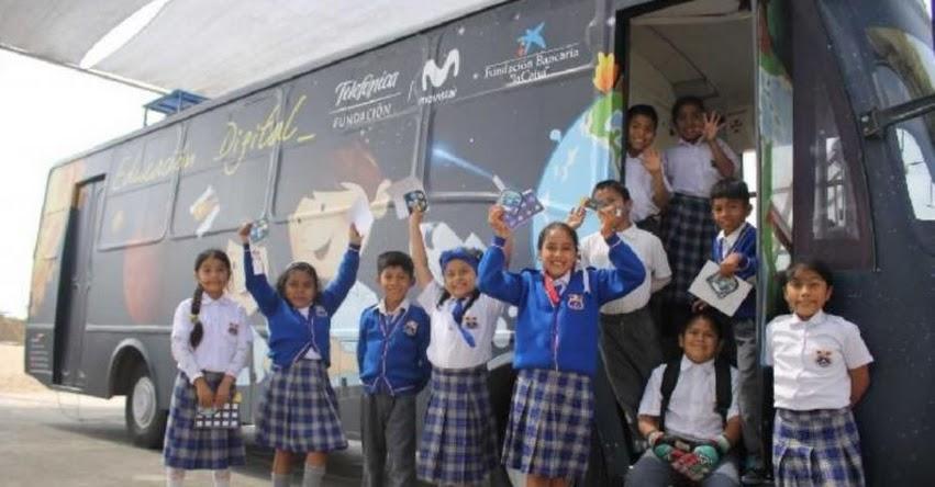 Premian a «Bus Educación Digital» de la Fundación Telefónica que benefició a 180 mil escolares