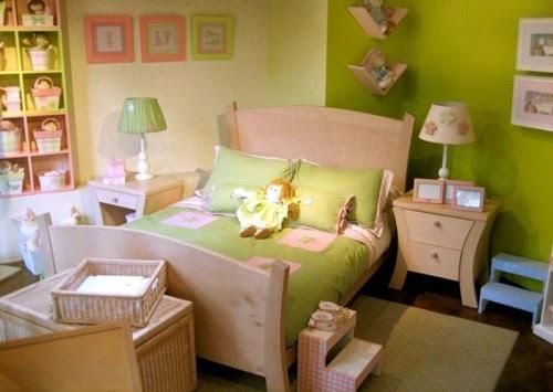 habitación verde rosa amarillo