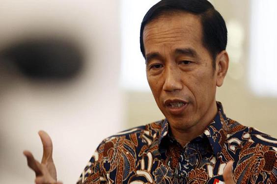 Jokowi Membandingakan 40 Tahun Pembangunan TOL RI dengan China