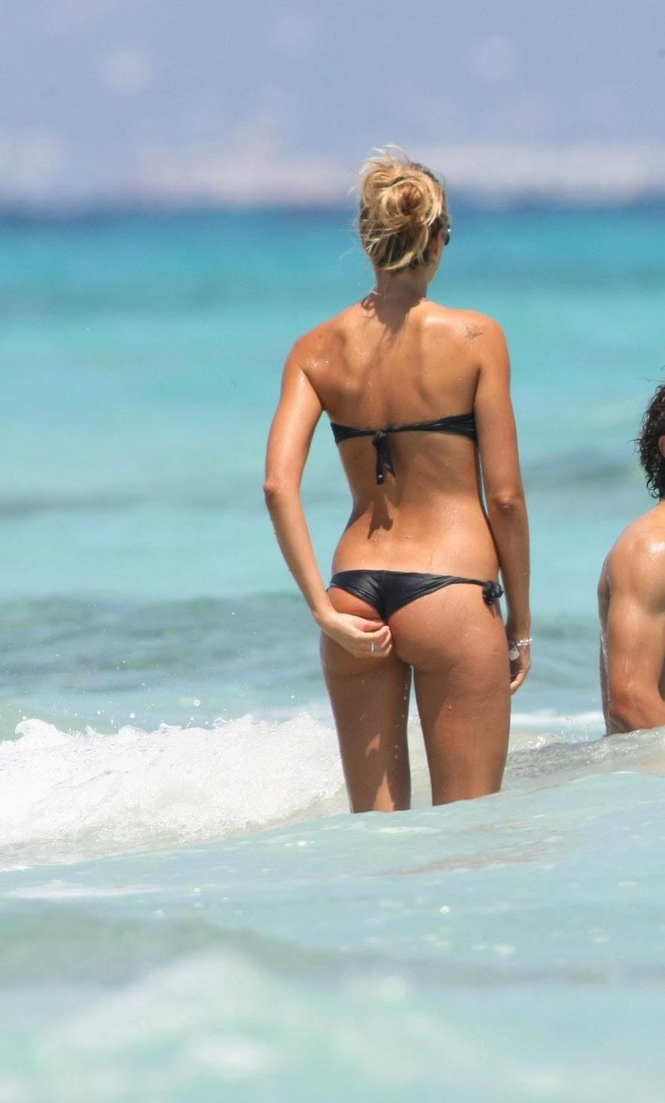 elena santarelli topless