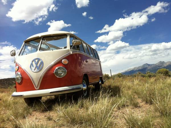 1965 VW Bus 21 Window Deluxe