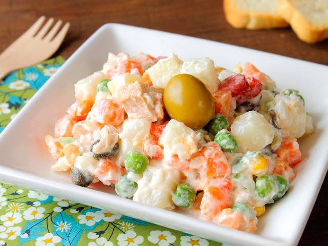 Ruska salata ensaladilla rusa Bulgaria