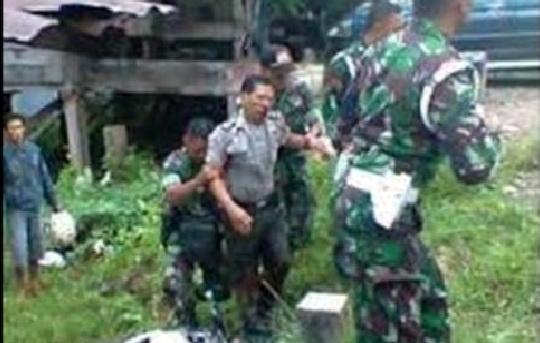 Peras Anggota TNI, 2 Oknum Polisi Ini jadi Babak Belur
