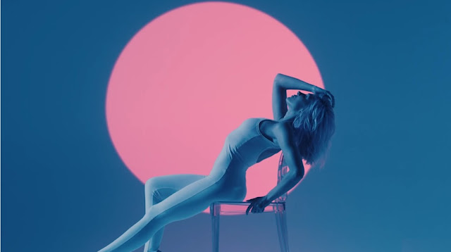 Bonnie McKee Premieres 'Easy' Music Video