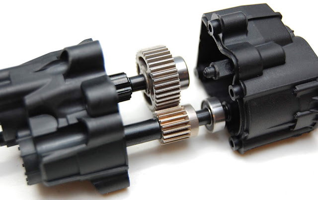 Axial SCX10 II transmission gears