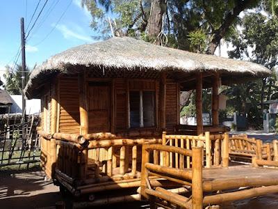 45 Desain Rumah Bambu Sederhana Semi Modern - Rumahku Unik