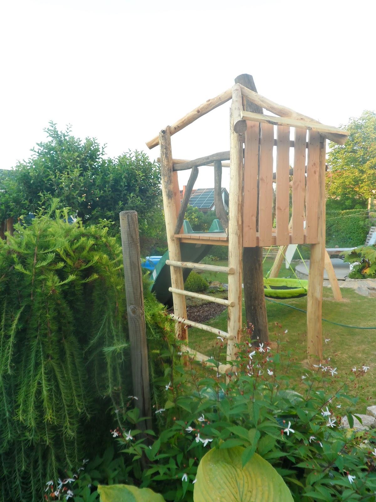 garten westwind ein kleiner familiengarten ein kinderspielturm f r den garten. Black Bedroom Furniture Sets. Home Design Ideas