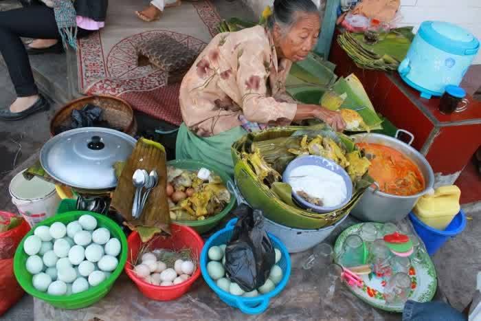 simbah penjual nasi penggel