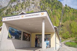 Loja para venda de tickets da mina de sal e funicular, Hallstatt, Áustria
