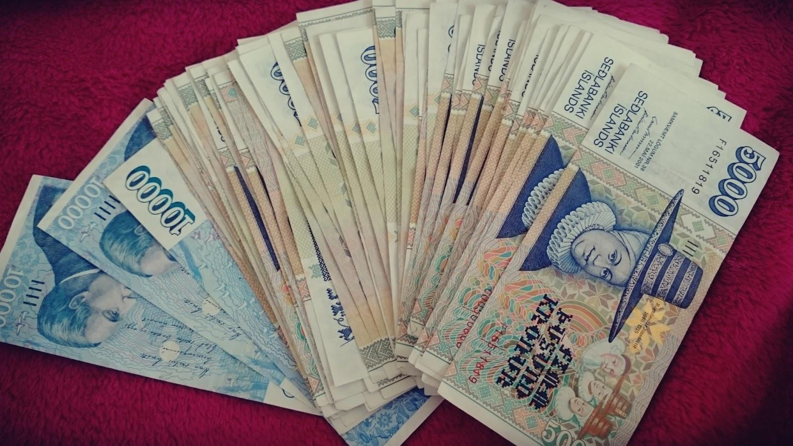 banknoty Islandia, pieniądze Islandia, ile się zarabia w Islandii