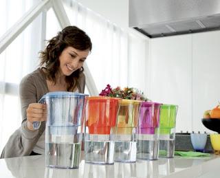 Kevesebb hulladék keletkezik, nem kell tárolni sem pl. egy zsugorral és könnyedén tölthető vagy egy egy csatos üvegben hűthető (IKEA 1 l)