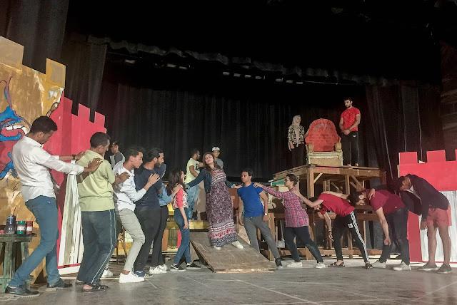 اليوم افتتاح العرض المسرحي سور الصين علي مسرح قصر ثقافة السويس والدخول مجاناً