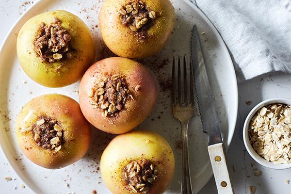... the warm comforting sweet desserts like apple pie and apple crisp
