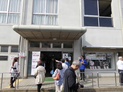 大阪造幣局 お手洗い&造幣せんべい販売所&桜茶・絵はがきセット販売所