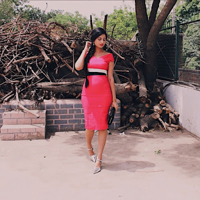 indian blog, indian blogger, top indian blog, indian luxury blog, uk blog, british blog, london blog, delhi blogger, delhi travel blogger, indian travel blog, indian travel blogger, vesper, vesper uk, vesper review, how to do a cocktail formal effortless look, bodycon dress style, hot pink bodycon dress, hot pink, summer style, formal event look, wear to formal, wear to cocktail