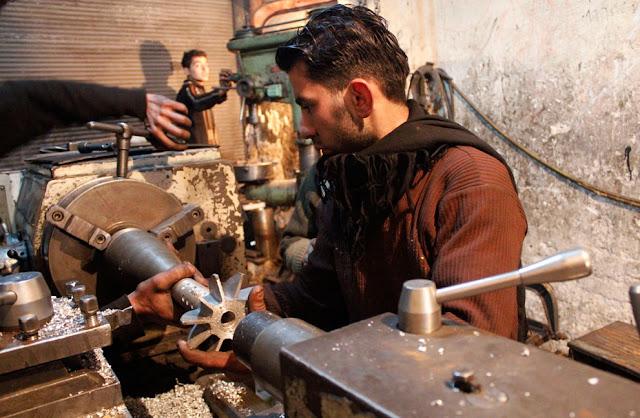 Fabricando arma casera Siria