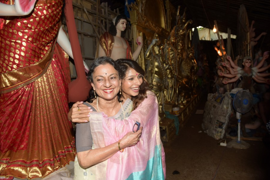 Kajol, Tanisha Mukherjee at North Bombay Sarbojanin Durga Puja