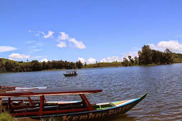situ patenggang danau cinta di Bandung Selatan