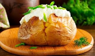 запеченая картошка без духовки с вкусной начинкой