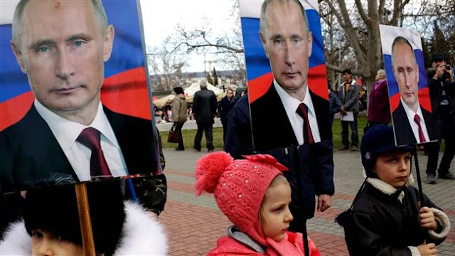 US urges Ukraine-Russia restraint over Crimea
