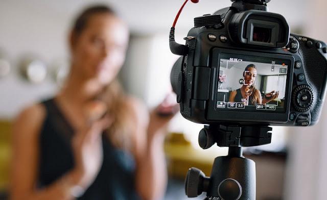 Rekomendasi Kamera Bagus Untuk Vlog Youtube