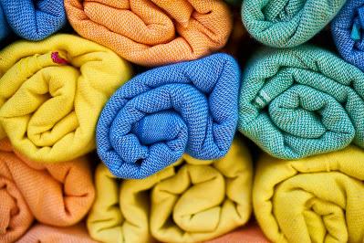 Microfaserhandtücher sind ideale Strandtücher