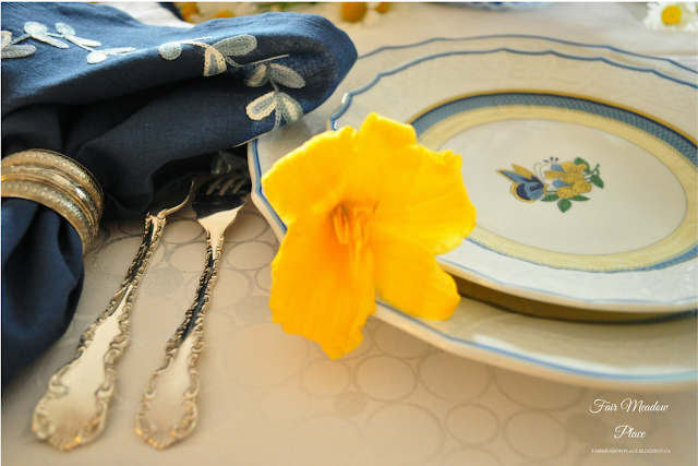 Set the Table - Blue White & Yellow