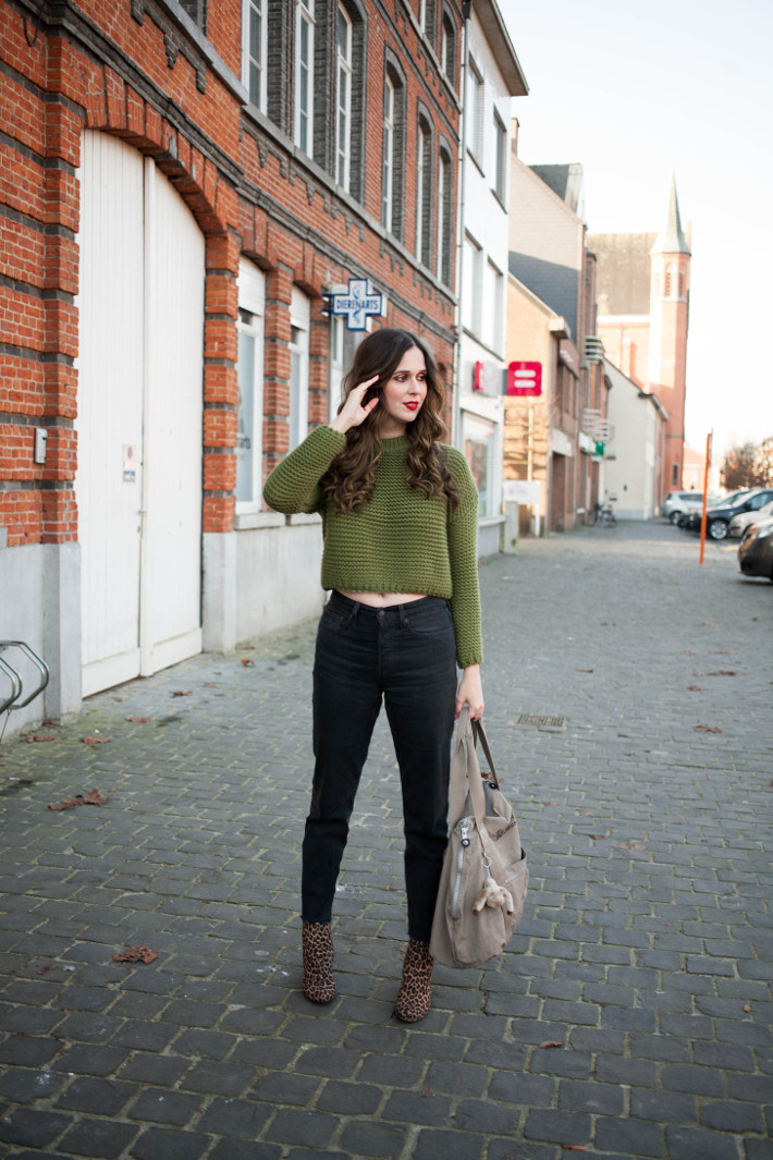 Outfit: cropped knit, levi's wedgie jeans, leopard boots