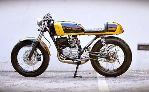 Modifikasi Yamaha RX ala Cafe Racer