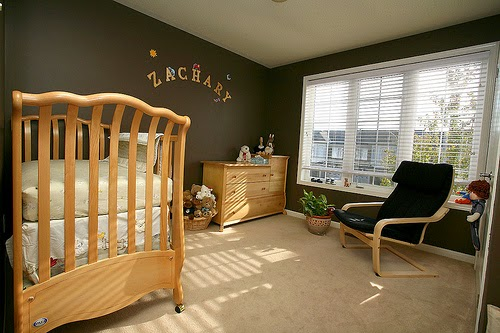 Habitación bebé color marrón