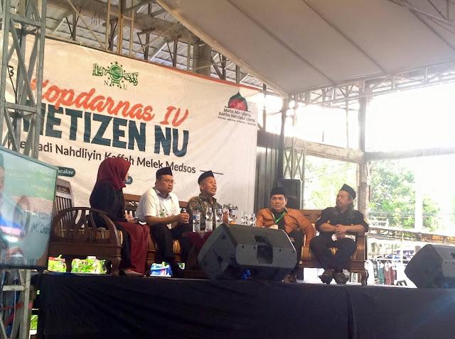 Bantahan KH Marzuki Mustamar Kepada Kelompok yang Mengejek Praktek Meng-Adzani Jenazah