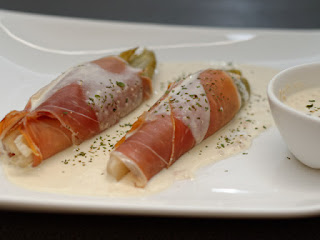 Endives vapeur, sauce parmesan et foie gras