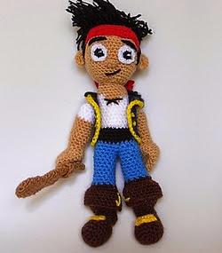http://www.patronesamigurumi.org/patrones-gratuitos/personajes/jake-y-los-piratas-de-nunca-jams/