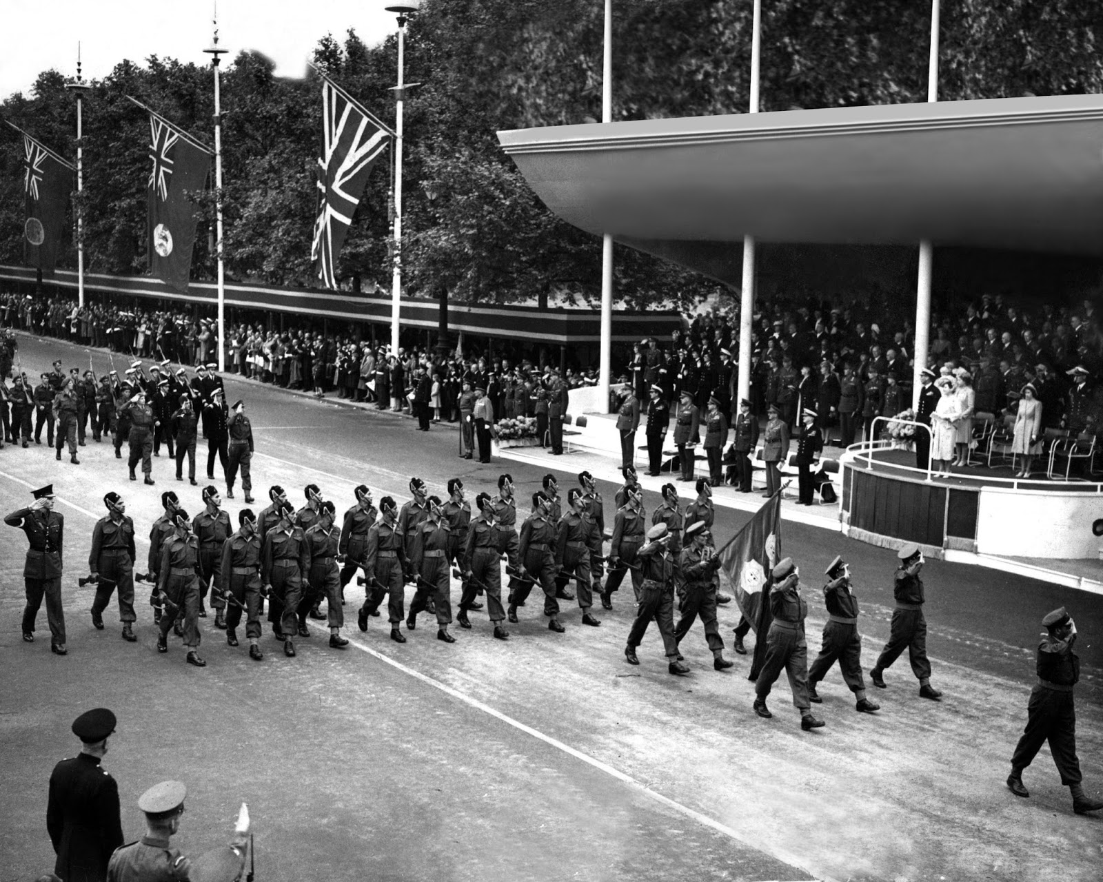photo essay history lessons perhaps the allied victory parade in london held on 10th of 1946 was the swan song of the british empire before it started unraveling a year later