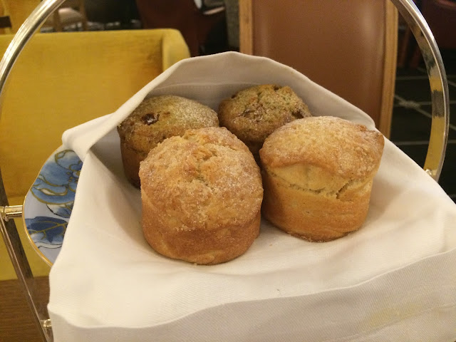 Scones at the Prince de Galles, Paris