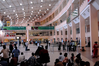 Top 5 ways to conquer long queues at Nigerian Airports