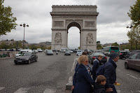 Worsening traffic within Paris, such as near the Arc de Triomphe, has led to an increase in smog pollution in recent years. (Credit: Jimmy Baikovicius/Flickr)  Click to Enlarge.