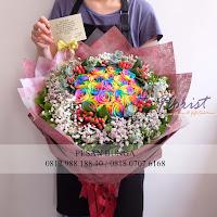 Handbouquet Rainbow Roses, Jual Bunga Equador, Toko bunga online jakarta,