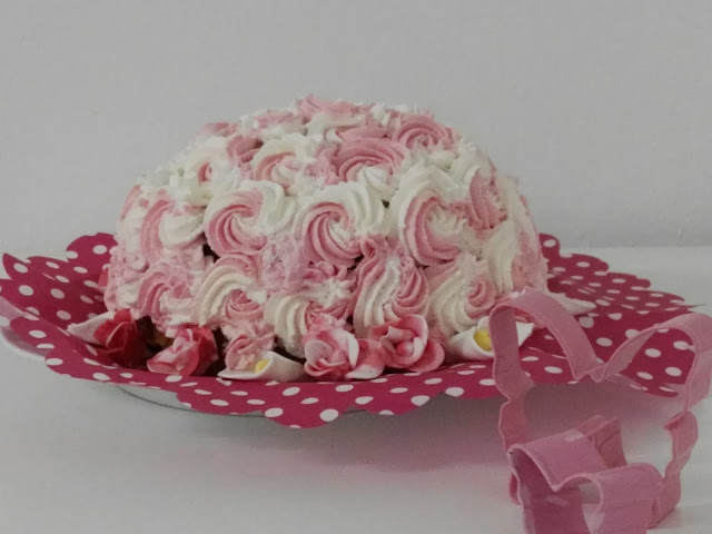 fruchtig süße Erdbeer Sahne Torte