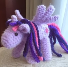 http://translate.googleusercontent.com/translate_c?depth=1&hl=es&rurl=translate.google.es&sl=auto&tl=es&u=http://sheepdogsfleece.blogspot.com.es/2013/12/purple-alicorn.html&usg=ALkJrhgWAwMPhkkSbuvWrQuQi1ZaLQHHAg#more