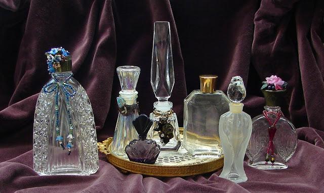 Старинные парфюмерные флаконы