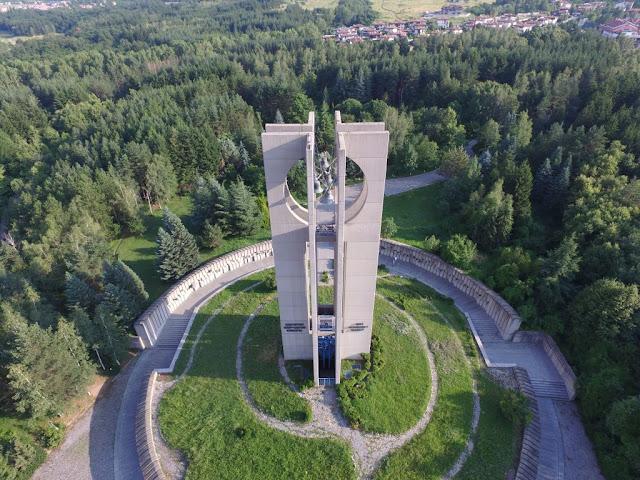 monumento Las Campanas Sofía Bulgaria  comunismo