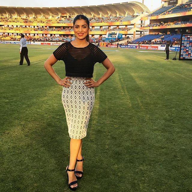 """What Karan Johar and Ranbir Kapoor could not do to Pallavi Sharda's flagging career, IPL has done.   After getting a chance to anchor """"Extraaa Innings T20"""" Pallavi Sharda has shot into limelight and created a social media buzz that she could never manage over the last six years with Bollywood."""